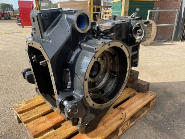 New Holland Autocommand T7, Case puma CVX 165-230 Replacement Re-Con Rear Diff Housing With Diff 5801691592 , 84490303