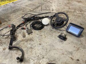 Trimble GPS FM750 With EZ-Pilot Motor Drive & Foot Peddle Engage Fits NH Combine
