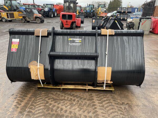 Strimech ProAg 8ft 1.7 m3 Manitou Loadall / Telehandler Bucket